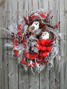 Snowy Owls Hoo-liday Wishes, Winter and Christmas Wreath http://floralsfromhome.com