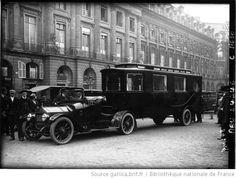 Auto salon de luxe, marque Auto-mixte, 1920. Intérieur 4 lits transformables, 1 lit pour le chauffeur, cuisine électrique, cave, toilette