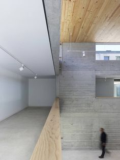 Image 4 of 16 from gallery of Exhibition Hall in Bertamirans / Salgado e Liñares arquitectos. Photograph by Santos-Diéz Stairs, Gallery, Photograph, Home Decor, Saints, Workshop Layout, Exhibitions, Architects, Buildings