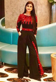 New jumpsuit design with afghani embroidery Garba Dress, Navratri Dress, Choli Dress, Boho Fashion Over 40, Modest Fashion, Fashion Outfits, Hijab Fashion, Pakistani Fashion Casual, Pakistani Outfits