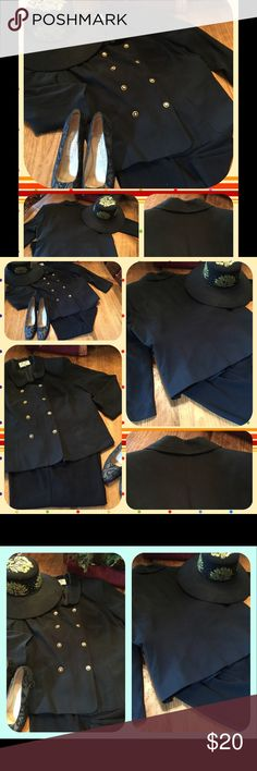 Le Suit II Black Double Breasted Career Jacket 20W A preowned, lined, double breasted with gold buttons, black Le Suit, jacket/ blazer in size 20W.  The jacket is in good condition.  Been in my closet for a while. Needs dry cleaning.  Le Suit creates beautiful, tailored, well made clothes. This jacket is one of their lines. Has princess seams front and back, Peter Pan collar, and long sleeves. From a smoke free home with pets. Please, no holds or trades. Le Suit Jackets & Coats Blazers