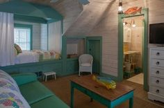 Chambre d'enfant en vert et blanc
