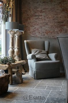 Esatto: Altijd iets nieuws by Esatto. Decor, Rustic House, Home And Living, Interior, Home Furniture, Rustic Interiors, Home Decor, House Interior, Home Deco