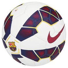 Nike Manchester United Prestige Soccer Ball 2015 The Manchester United Prestige… Nike Soccer Ball, Soccer Gear, Soccer Drills, Soccer Cleats, Football Soccer, Soccer Stuff, Football Shoes, Fc Barcelona, Barcelona Jerseys