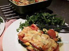 Deze spinazie en tomaat ovenschotel is heel basaal, volgens mij zijn er maar weinig mensen die dit niet lekker vinden! Zomer en winter altijd goed! Clean Eating, High Protein Low Carb, Light Recipes, Love Food, Food To Make, Healthy Recipes, Healthy Food, Paleo, Food And Drink