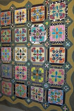 More from the 2012 Tokyo Quilt Show. Beautiful