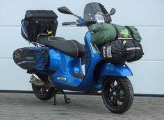 Risultati immagini per vespa gts 300 vwd 2016 Retro Scooter, Lambretta Scooter, Scooter Motorcycle, Vespa Scooters, Motorcycle Touring, Vespa Gts 300, Vespa 150 Sprint, New Vespa, Custom Vespa