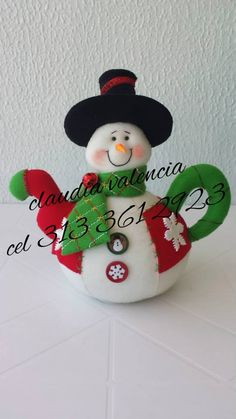 CAFETERA MUÑECO NIEVE Christmas 2016, Christmas Snowman, Christmas And New Year, Xmas, Christmas Ornaments, Snowman Crafts, Felt Crafts, Decor Crafts, Diy And Crafts