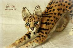 Serval needle felting cat wild animal por MinzooNeedleFelting