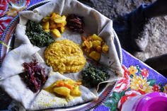 Ethiopian cooking can be heavy on meat — but the east African country's cuisine is also full of delicious and super-satisfying dishes that are perfect for vegetarian, vegan, and gluten and lactose-free eaters. Teff Recipes, Vegetarian Recipes, Cooking Recipes, Sin Gluten, Oakland Food, Middle Eastern Recipes, Dessert, International Recipes, So Little Time