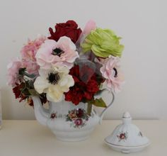 Flower arrangement Vintage