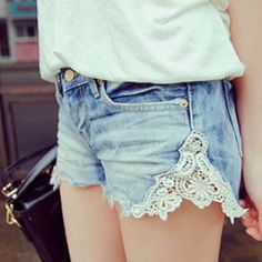 i dont like the shorts that have the pockets sticking out.. but this, this i love.