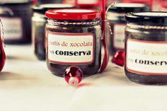 pastís de xocolata en conserva