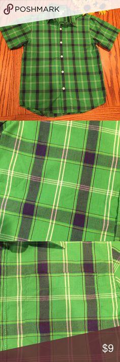 Old Navy green plaid Buttondown shirt. Size medium Like new Old Navy green plaid Buttondown shirt. Size medium Old Navy Shirts & Tops Button Down Shirts
