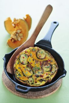 Butternut Squash and Zucchini Frittata - Dinner in Venice Brunch Recipes, Breakfast Recipes, Brunch Ideas, Kosher Recipes, Kosher Food, Vegetable Sides, Your Recipe, Butternut Squash, Food To Make