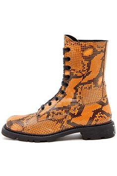 Jil Sander python boots, leider nie in die Läden gekommen. Glück gehabt, direkt vom Laufsteg zu mir :-)