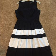 """Dress Fit and flare. Round neck. Shows your collar bone. 22"""" from waist to hem White House Black Market Dresses Mini"""