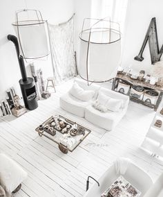 "170 Likes, 4 Comments - Paulina Arcklin Photography (@paulinaarcklin) on Instagram: ""#paulinaarcklinloft #myloft #myhome #whitefloor #bathtub #palletcart #whitecouch #whitesofa…"""