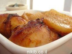 עוף בתנור עם תפוחי אדמה, קיבלתי בקשות לעוף עם תפוחי אדמה אבל בתנור, אז הנה מתכון שמתבלים מערבבים וישר לתנור, העוף והתפוחי אדמה סופגים את כל הטעמים הטעימים.