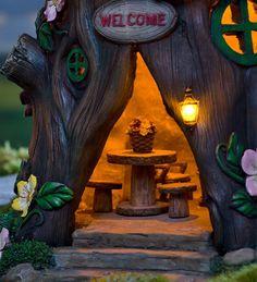 Solar Welcome House Stump Miniature Fairy Gardens