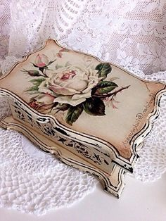 Discover thousands of images about Russian decoupage Decoupage Box, Decoupage Vintage, Altered Boxes, Altered Art, Jewelry Box Makeover, Raindrops And Roses, Pretty Box, Painted Boxes, Jewellery Boxes
