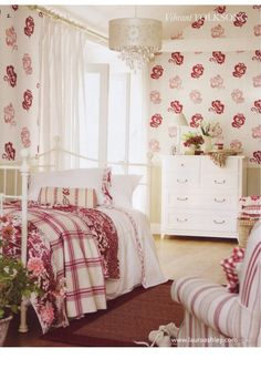 Bedroom Wallpaper Ideas, Do you want to have a fantastic bedroom design? The bedroom wallpaper ideas is one of the most creative and attractive ideas for bedroom decorations ideas. Wallpaper Bedroom, Decor, Home, Home Bedroom, Dreamy Bedrooms, Red Rooms, Beautiful Bedrooms, Interior Design, Bedroom Bliss