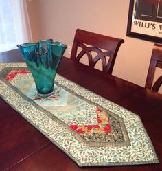 Christmas Holiday quilted table runner adds a by ErinHolmqvist