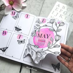 🌸🦋WEEKLY🦋🌸 I created a Dutch door for my current weekly and I love how it turned out. Check out tomorrow what's behind! Bullet Journal 2019, Bullet Journal Tracker, Bullet Journal Notebook, Bullet Journal Spread, Bullet Journal Layout, Bullet Journal Inspiration, Journal Ideas, Bullet Journal Aesthetic, Journal Design