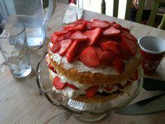 Strawberry sponge cake Strawberry Sponge Cake, Desserts, Food, Tailgate Desserts, Deserts, Essen, Postres, Meals, Dessert