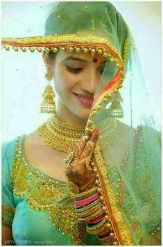 Indian Bridal Photos, Indian Bridal Makeup, Beautiful Bollywood Actress, Beautiful Indian Actress, Beautiful Women, Beautiful Dresses, Rajasthani Dress, Saree Jewellery, Bridal Elegance