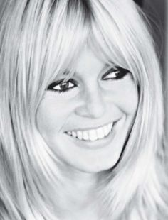 Brigitte Bardot - style and beauty icon. Bangs, heavy liner, pale lipstick, love…