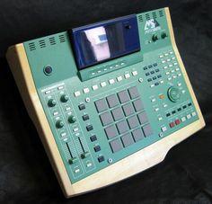Akai MPC 4000 Custom Lime Green & Wood Grain