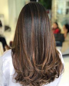 Ideas For Bridal Makeup Indian Hair Style Brown Hair Balayage, Brown Blonde Hair, Hair Color Balayage, Brunette Hair, Hair Highlights, Bayalage, Blonde Wig, Haircuts Straight Hair, Long Hair Cuts