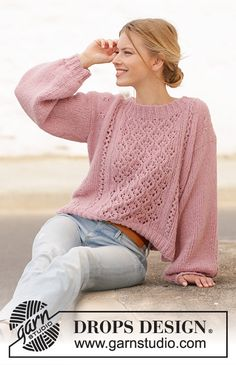 Seaside Watcher / DROPS - Free knitting patterns by DROPS Design - Seaside Watcher / DROPS – Free knitting patterns by DROPS Design Knitted sweater in DROPS Air. The piece is worked with lace pattern and balloon sleeves. Easy Knitting, Knitting For Beginners, Knitting Stitches, Knitting Patterns Free, Knit Patterns, Drops Patterns, Free Pattern, Drops Design, Jumpers For Women