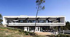 Casa La Vinya by Lagula Arquitectes  © Mauricio Fuertes