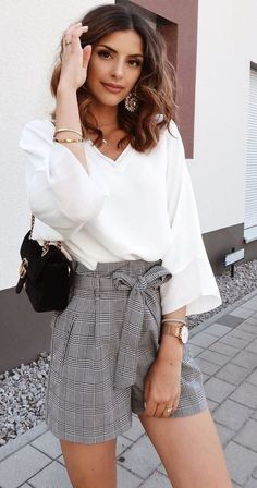 beliebte Sommeroutfits zum Ausprobieren – popular summer outfits to try out – Modest Summer Outfits, Short Outfits, Classy Outfits, Spring Outfits, Trendy Outfits, Cute Outfits, Elegant Summer Outfits, Summer Clothes, Long Shirt Outfits