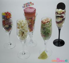 Unique ways of presenting food in engraved champagne flutes. Engraved Champagne Flutes, Champagne Gifts, Unique Recipes, I Party, Presents, Lunch, Dinner, Tableware, Presentation