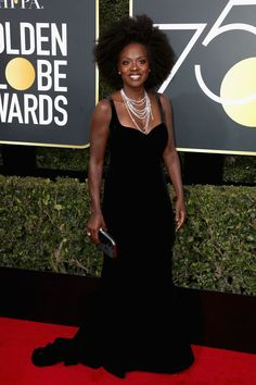 Viola Davis - Viola Davis, looked like a vision at the Golden Globes, rocking a black sweetheart dress with a train, accented with strands of layered diamonds. Viola Davis, Golden Globe Award, Golden Globes, Glamour, Garance, Wearing All Black, Hollywood, Helen Mirren, Necklaces