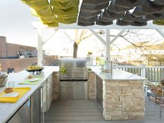 20 Drool-Worthy Outdoor Kitchen Designs --> http://www.hgtvgardens.com/photos/structures-photos/great-outdoor-kitchens?s=1