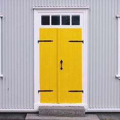 @thefunflair on Instagram: A bit of sunshine in a concrete jungle #yellowdoor⠀ .⠀ .⠀ .⠀ ⠀ #thefunflair #shoppablemag #fashion #jewellery #costumejewelry #accessories #singapore #singaporefashion #travel #inspiration #colourpalette #pretty #door #grey #yellowandgrey #industrial #building #architecture #house