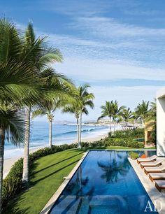 It's Good to be Cindy. La casa de Cindy Crawford y su esposo Rande en Baja California, México, (my country), justo al lado de la de (king) George Clooney.