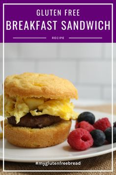A delicious gluten free breakfast sandwich for an easy, nutritious breakfast! Even when you have no time to make anything for breakfast, you can warm up a breakfast sandwich and head out the door. #glutenfreebread #glutenfreerecipes #glutenfreebreakfast #breakfastfordinner Healthy Gluten Free Bread, Gluten Free Bagels, Gluten Free Biscuits, Gluten Free Snacks, Gluten Free Breakfasts, Quick Snacks, Yummy Snacks, Breakfast Sandwich Recipes, Bagel Recipe
