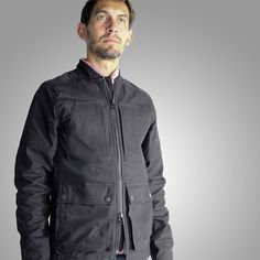 Upright Cyclist Lakeshore Jacket is the perfect street coat for short city hops on blustery Autumn days. Built in a Cordura™ cotton canvas woven to last a lifetime