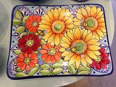 Fotos en Damariscotta Pottery - 2 tips Painted Plates, Hand Painted Ceramics, Porcelain Ceramics, Pottery Painting, Ceramic Painting, Ceramic Art, Devian Art, Talavera Pottery, Pottery Shop