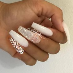 Semi-permanent varnish, false nails, patches: which manicure to choose? - My Nails Prom Nails, Bling Nails, Wedding Stiletto Nails, Dope Nails, Fun Nails, Gorgeous Nails, Pretty Nails, Nagel Bling, Nagel Gel
