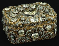 Box in Gold, Silver, Diamonds and Emeralds. Made in Paris by Jean Ducrollay in 1755/6. Royal Palace of Ajuda