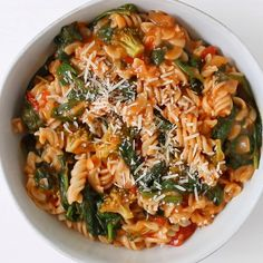 My Healthy One Pot Pasta Recipe is an easy go-to meal for busy weeknights or hectic weekends! Rotini Pasta Recipes, Veggie Pasta Recipes, Easy Healthy Pasta Recipes, Pasta Recipes Video, Healthy Pasta Dishes, Healthy One Pot Meals, Pasta Dinner Recipes, Easy One Pot Meals, Healthy Pastas