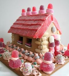 LUCY MORENO: I LOVE CANDY HOUSES