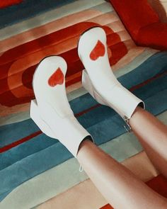 70s Aesthetic, Aesthetic Shoes, Aesthetic Clothes, Dr Shoes, Me Too Shoes, Pretty Shoes, Cute Shoes, Funky Shoes, Crazy Shoes