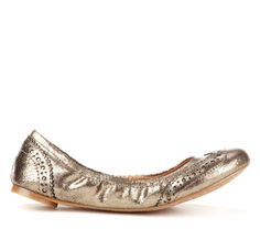 Golden wingtip flat from Sole Society: These remind me of some miu miu flats from a few years back i'm still regretting i didn't buy. Flat Boots, Shoe Boots, Shoe Bag, Shoes, Total Girl, Short Heels, Office Wear, Lovely Things, Miu Miu